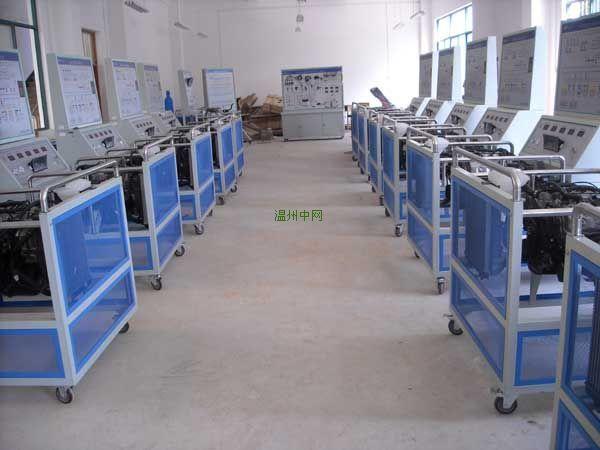 桑塔纳3000电控发动机实验台